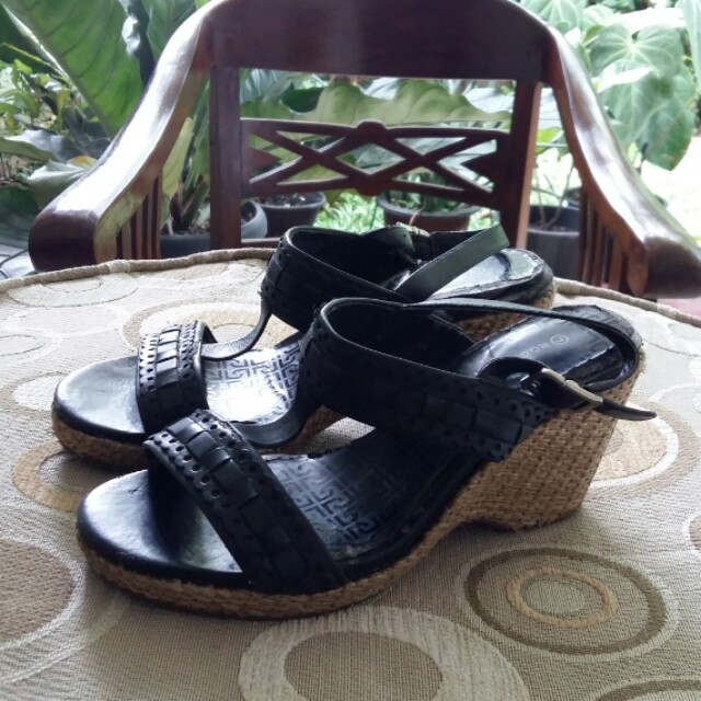 Rockport Leather Black Wedges Authentic with Defects