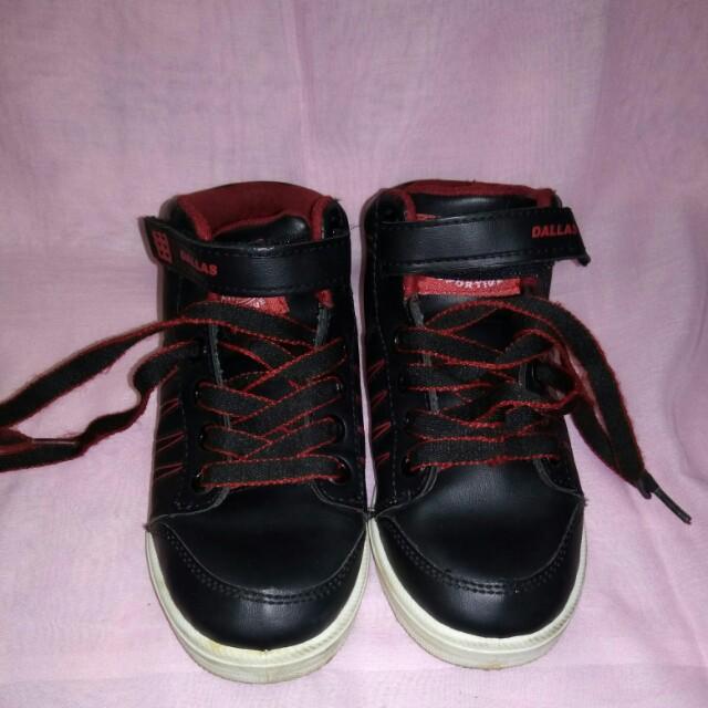 sepatu Dallas size 32