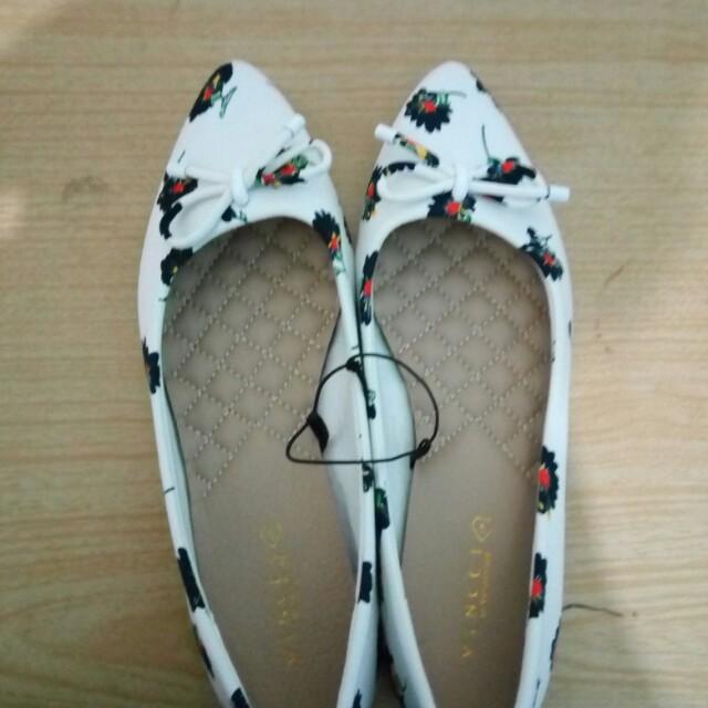 Sepatu Flat Vincci Size 5