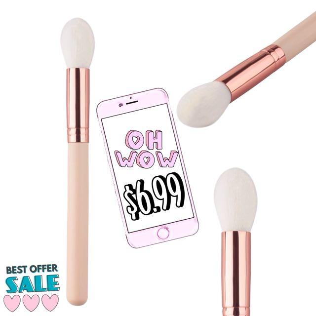 Tapered Highlighter Blush Bronzer Makeup Brush