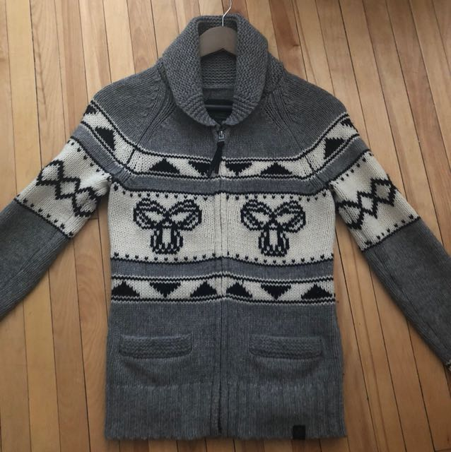 The Lambswool zip-up sweater