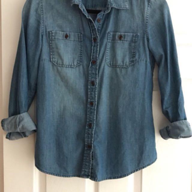 Tommy Hilfiger chambray blouse size small
