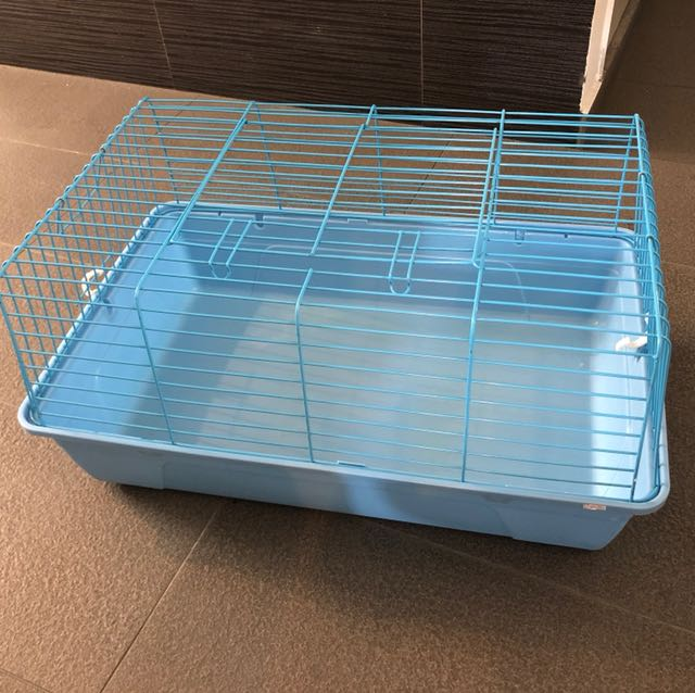 Used rabbit guinea pig cage great condition