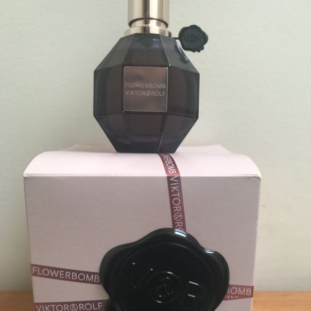 Victor And Rolf Extreme Flowerbomb. Sprayed Once. 50ml