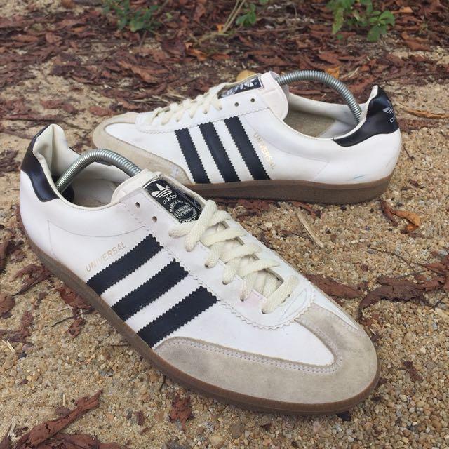 Vintage Adidas Universal 313cd6f15