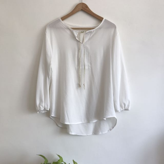White Long Sleeves Blouse with Gold String