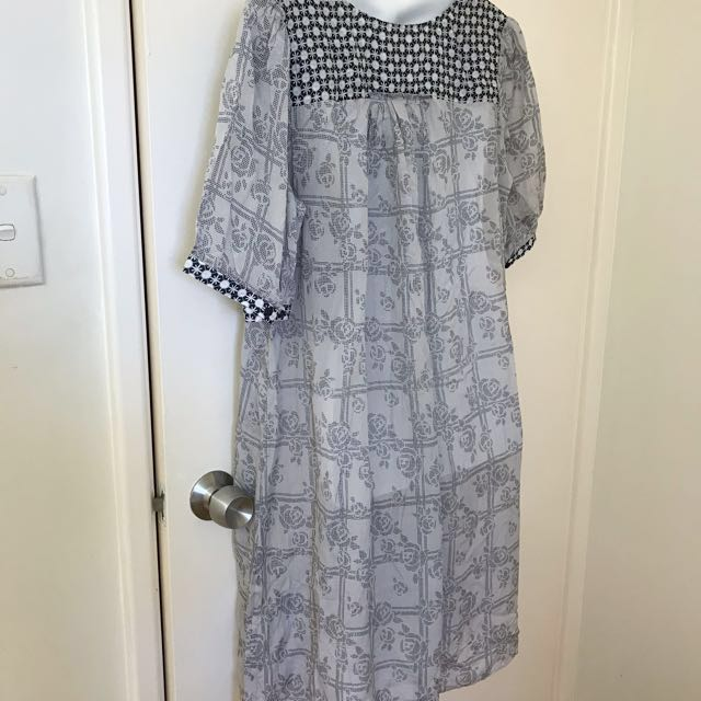 Witchery 100% Silk dress Size 10-14