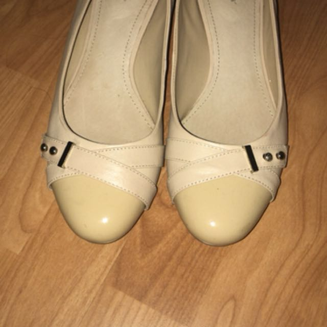 Women's Hush Puppies Leather Shoes Size 9