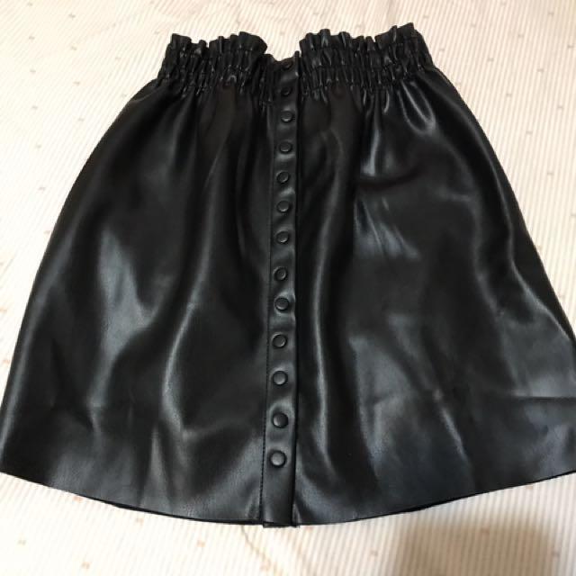 ZARA 皮裙