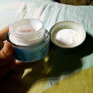 Skin so soft whitening cream w/ glutathione