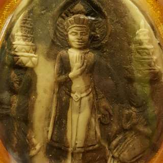 **CNY promotion!!!! $33 only nw for this pc of Phra YodKhunPon with 3 x Silver Takruts at the back wrapped in waterproof casing