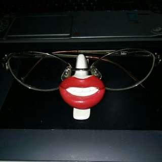 Eyeglasses/ sunglasses holder