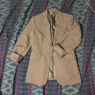 Brown blazer, single-breasted, wide-lapel