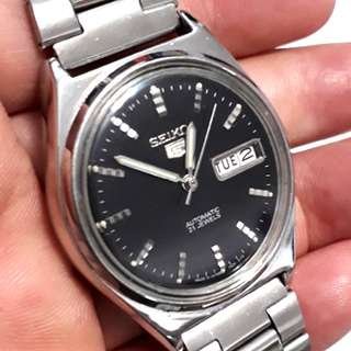 SEIKO 5 Automatic watch  bezel 36mm  21 jewels Date & Day display calendar made in Japan