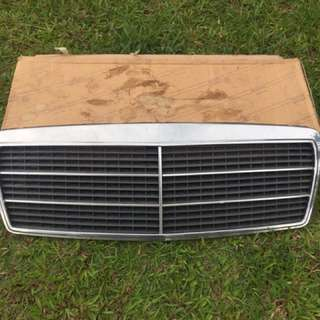 Mercedes Benz W210 Prefacelift Grill