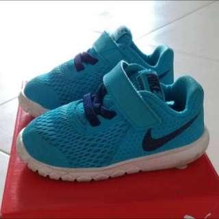 Boys Prewalker Nike Sneakers