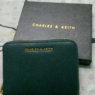 Charles & Keith basic square Wallet