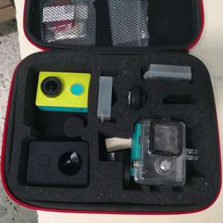 Xiaomi Yi Action Camera (Many Accessories)