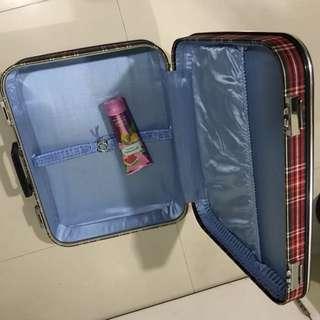 Luggage (No Wheels)