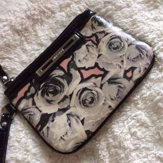 Nine west wristlet/pouch