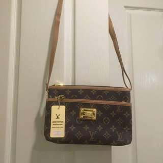 LV Shoulder Bag / Clutch ⚡️