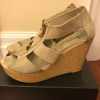 Browns Wedges, Nude