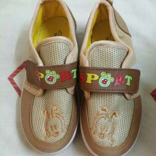 Kids Shoes size 32