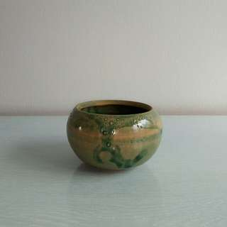Artist Seal Tea Bowl height 7cm diameter 9cm perfect condition