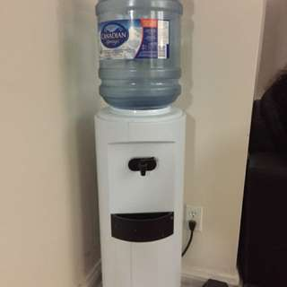 Water stand dispenser