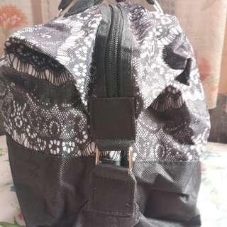 New black shoulder bag