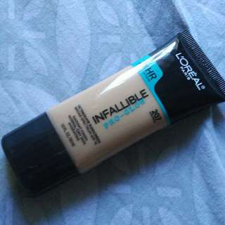L'oreal infallible foundation pro glow 207