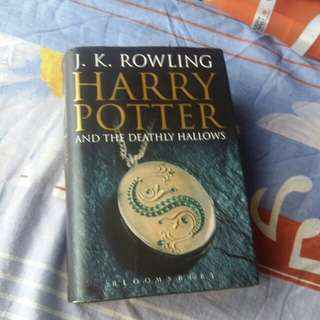 Hardcover Harry Potter And The Deathly Hallows