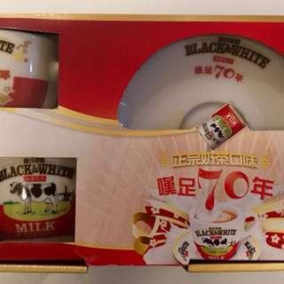 黑白淡奶70週年限量紀念版套裝(Q版)