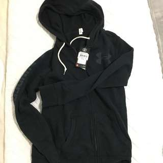 Women's under armour jacket size small