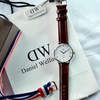 Daniel Wellington Sapphire