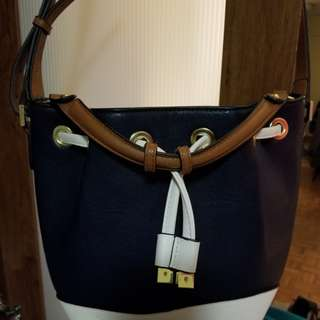 Handbag13 - Bucket Bag style