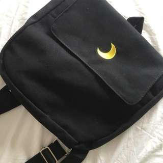 Small canvas backpack in black with moon 🌙