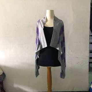 Jaket abu ungu