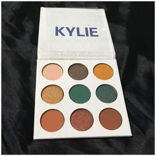 Kylie Blue Honey Eyeshadow Palette
