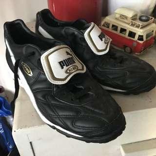 Puma King Turf boots
