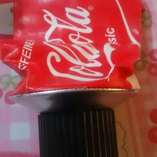 Coke tissue holder little damage