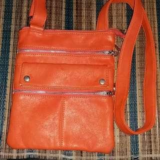 Hanna small sling bag