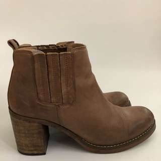 Tony Bianco Gillie Brown Ankle Boots Size 8
