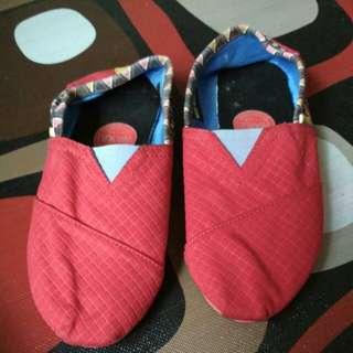 Sepatu wakai anak