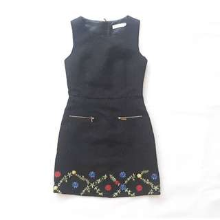 Black jacquard dress with embroidery & front pockets