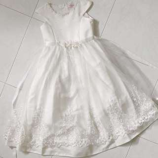Kids Wedding Flower Girl White Dress With Lace, Ribbon and Pearl Details