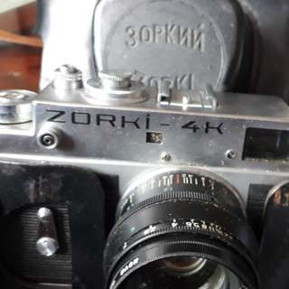 vintage camera 30pknn zorki 4  USSR with solid leather 1970s it's out of stock a rare Zorki 4 it's a vintage collectable price fixed $ 300 Non buyer I not cry but thoes whom want real items be ready to pay more or bye bye