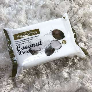 ✨FREE NM✨ Hydrating Facial Wipes Coconut Water 25pcs ✨