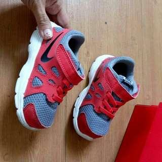 Sepatu Nike ORIGINAL MURAH