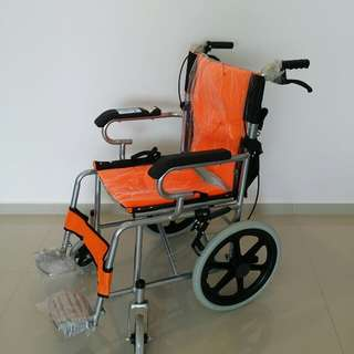 Pushchair / wheelchair foldable for travel